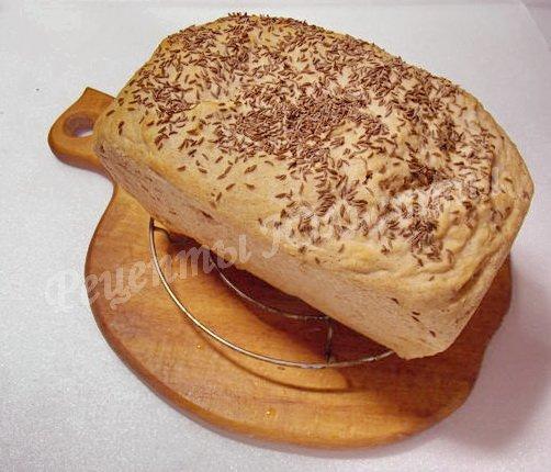 остужаем хлеб на решётке