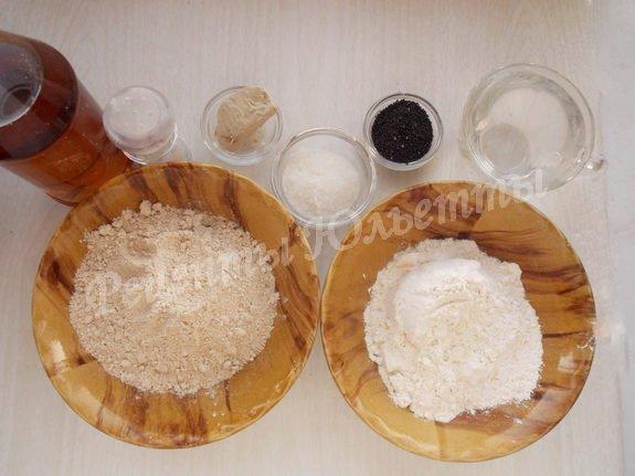 ингредиенты для хлеба с полбяной мукой