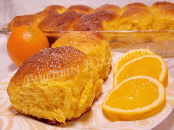 сдобные булочки с творогом, тыквой и апельсином