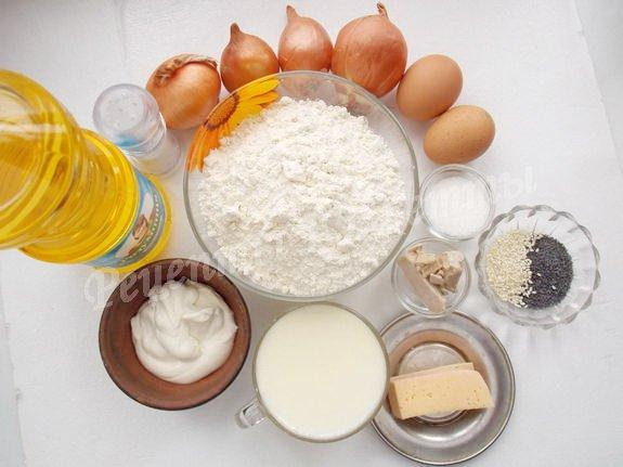 ингредиенты для ватрушек с луком