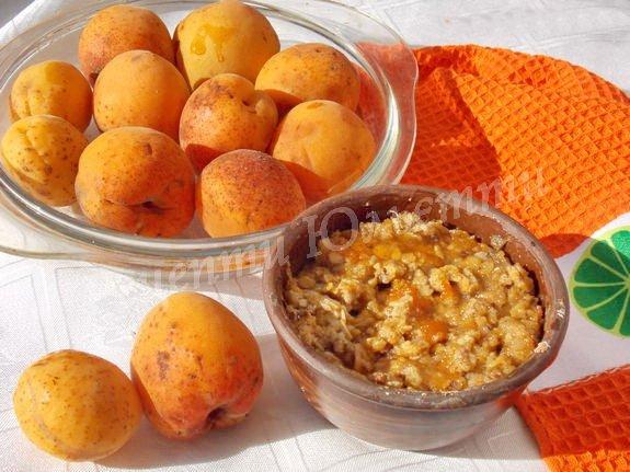 абрикосовый крамбл