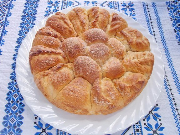 выкладываем пирог на блюдо
