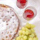 испанский пирог с виноградом и сладким вином