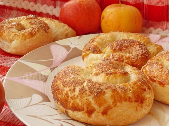 рецепт слоек с яблоком и корицей