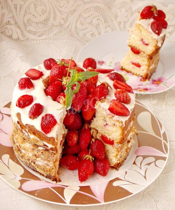 рецепт торта с клубникой внутри